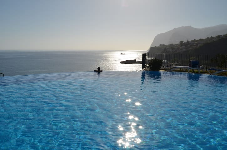 Stunning Apartment with Sea View - Funchal - Apartamento