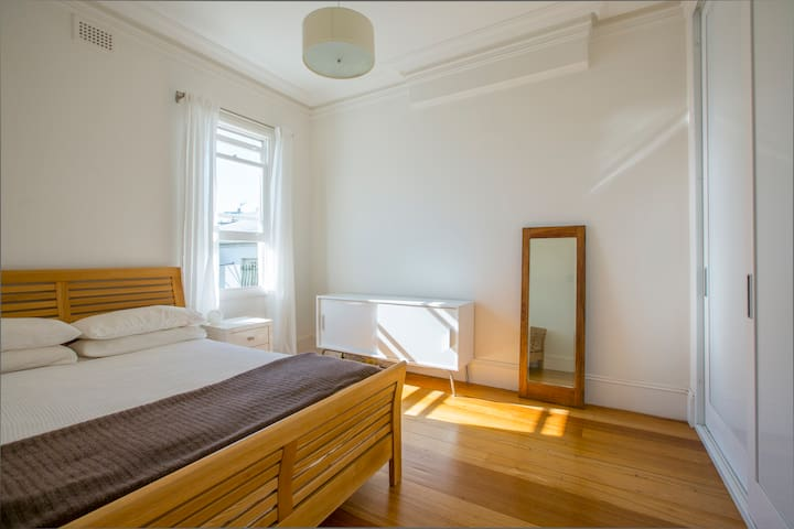 Private Room Close to the City - Redfern - Ev