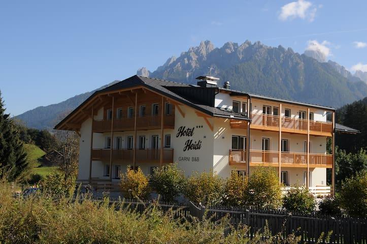 B&B im Herzen der Dolomiten - Toblach - Bed & Breakfast