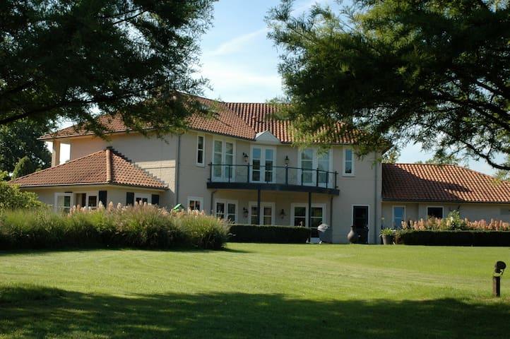 Mediterranean Villa in Brabant. - Boxtel - Villa