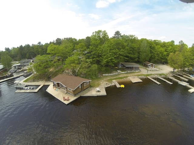 3 Cottage Camp Right on the River - Coldwater