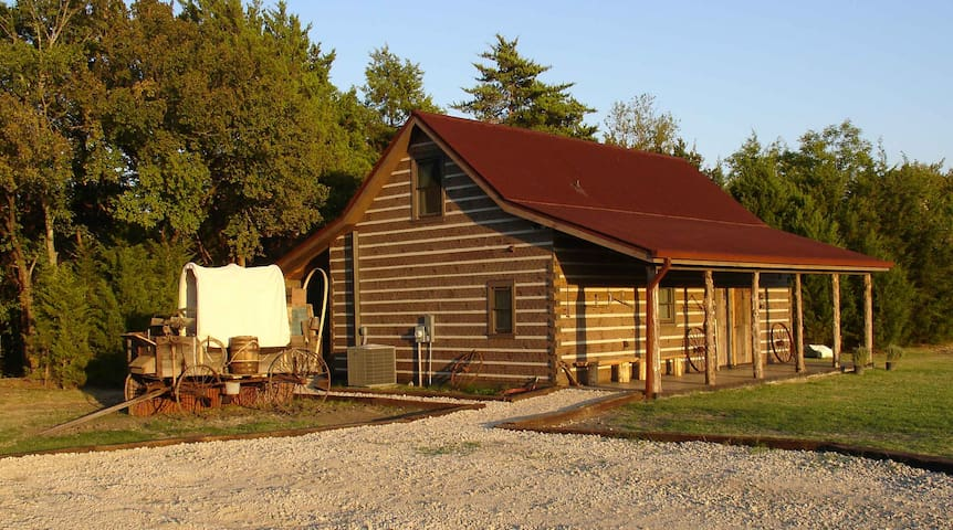 Private Luxury Cabin Near Dallas TX - Glenn Heights - Kabin