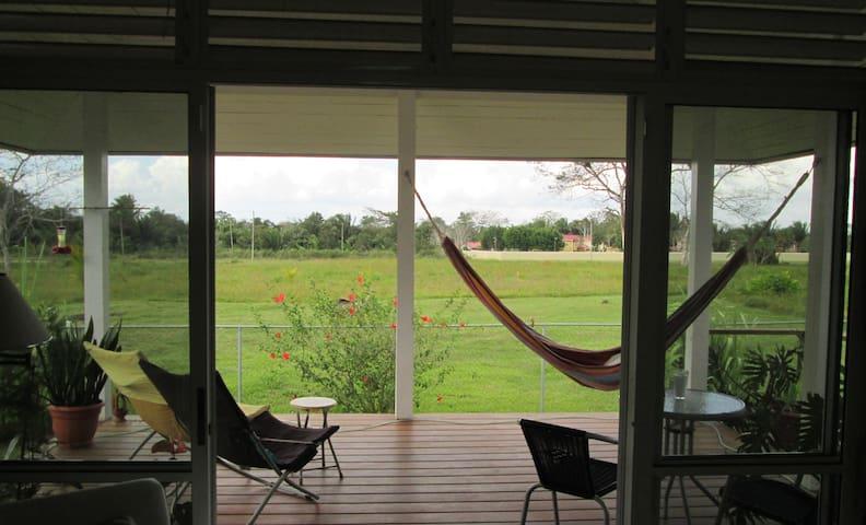 Ecofriendly Tropical Living  - Belmopan - Aamiaismajoitus