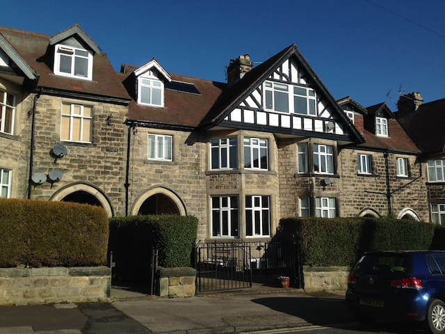 Self-contained flat for one guest - Harrogate