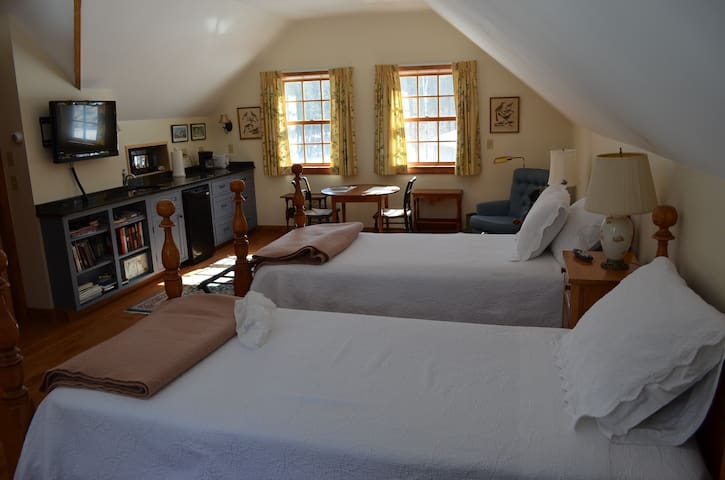 Norwich VT Apartment on 12 Acre Woods - Norwich - Appartement