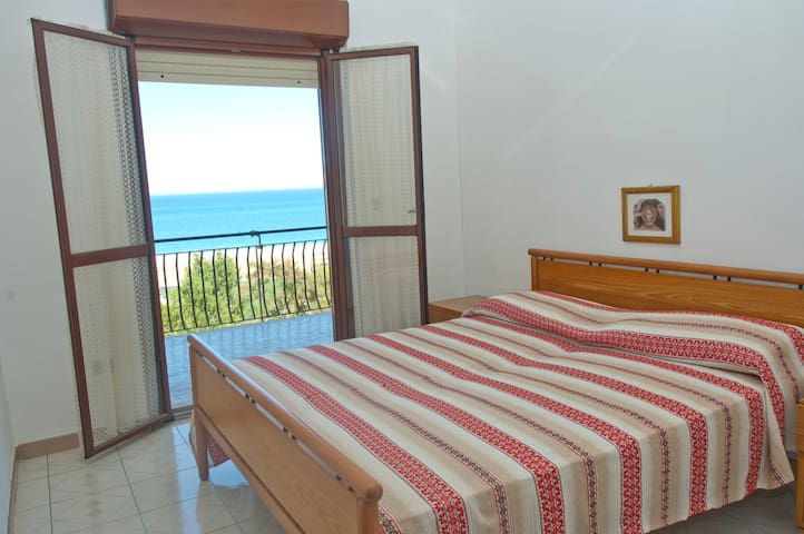 SUN & FUN IN SOUTH ITALY - Santa Caterina Dello Ionio Marina - Appartement