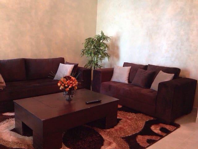 Beau Studio chambre, Salon, cuisine - Tunis - Apartamento