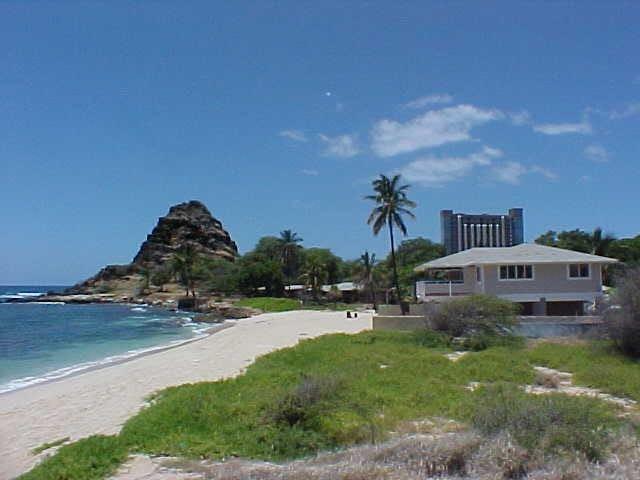 6/4 sandy beachfront w/jacuzzi_BBQ - Waianae