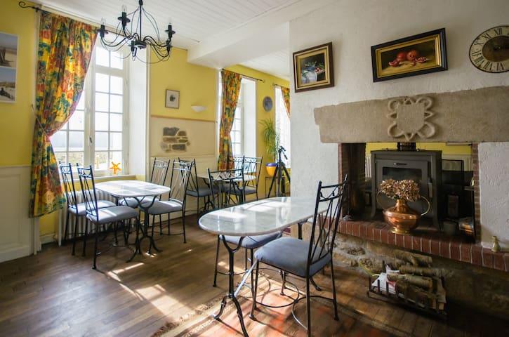 Traditional Breton Mill Guest Rm 1 - Jugon-les-Lacs - Oda + Kahvaltı