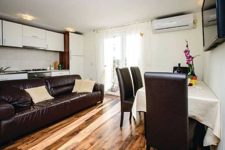 May 2017 SPECIAL OFFER 2BD apartm. - Mlini - Huoneisto