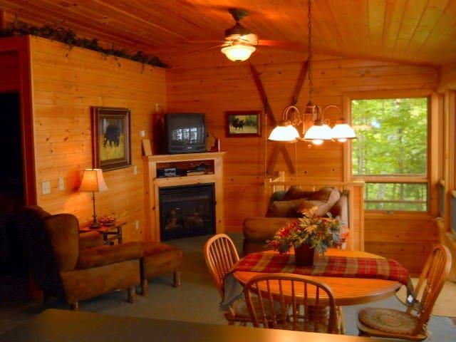 Cabin Rental - Hayward, WI - Hayward - Blockhütte