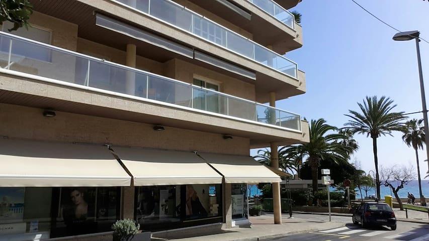 Luxury beach front Apt. Mallorca - Cala Millor  - Apartemen