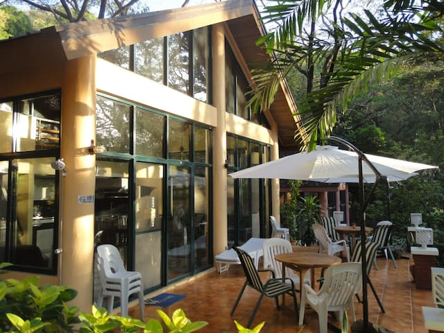 Beach Front House in Batangas - Nasugbu - Rumah