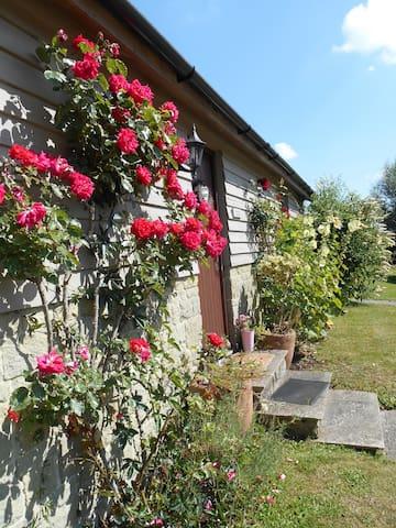 Spacious Swallow Cottage   - Salisbury - Dom