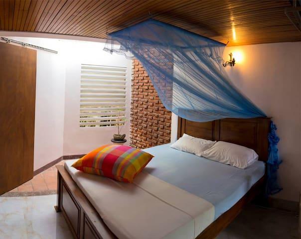 Prochain Arret - Sri Jayawardenepura Kotte - Vila