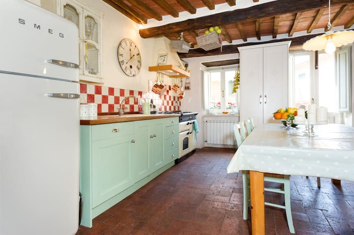 Traditional mountain village house - Limano