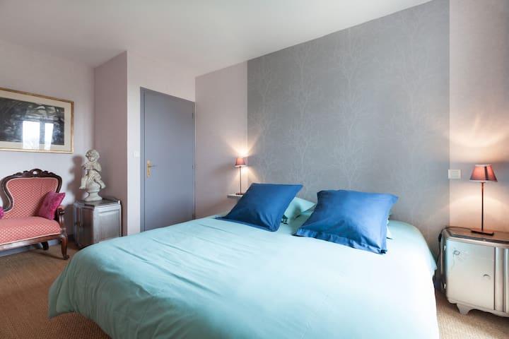 Chambre d'hôtes - calme et confort  - Miniac-Morvan - Hus