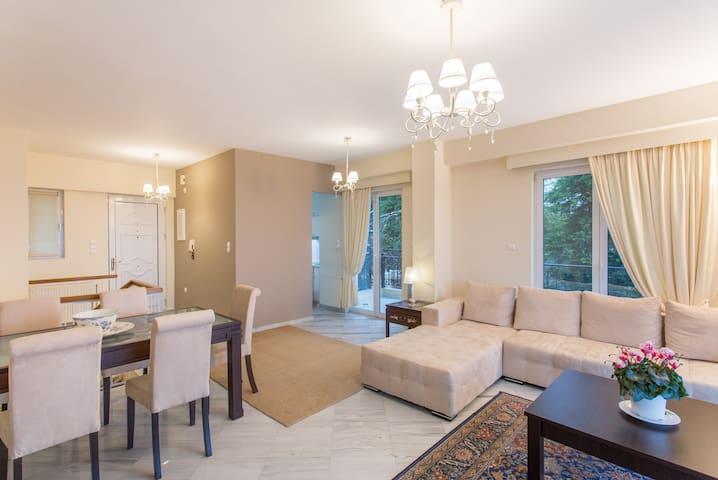 Luxurious apartment in penteli - Penteli - House