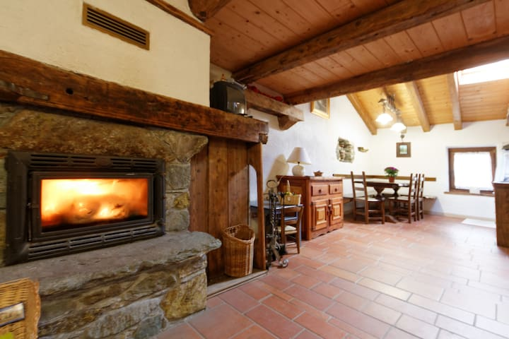 Typical House in Monterosa Ski - Brusson  - Departamento