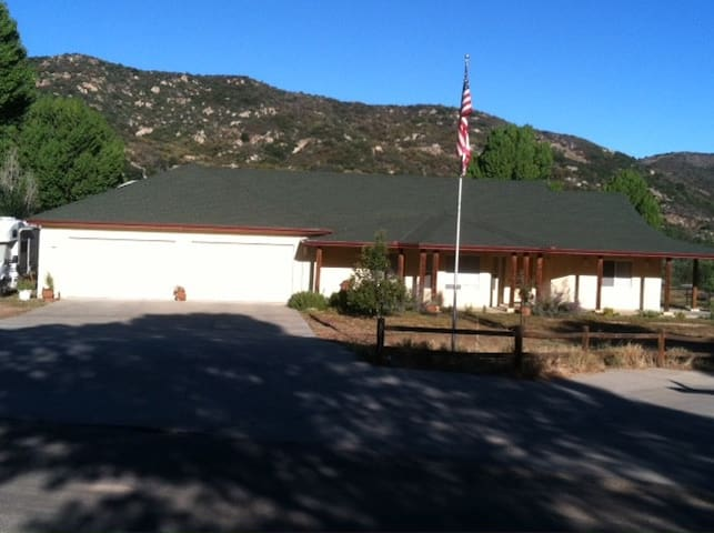 Home Stay in San Diego Mountains - Pine Valley - Hus