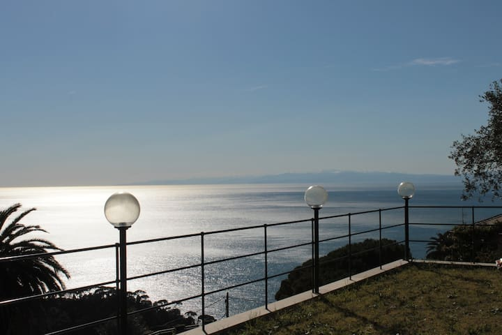 Villa Camilla: room and breakfast - Camogli
