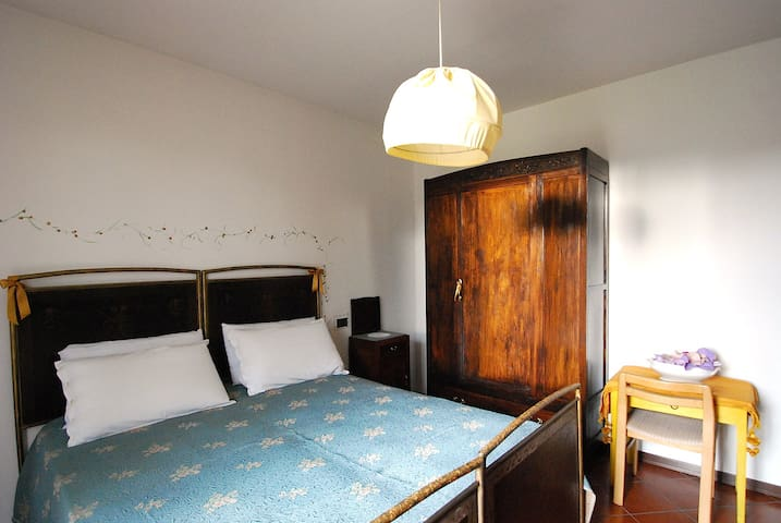 Double Room in the Lake district - Borgomanero - Bed & Breakfast
