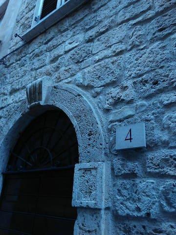 Central and elegant studio flat - Ascoli Piceno - Bed & Breakfast