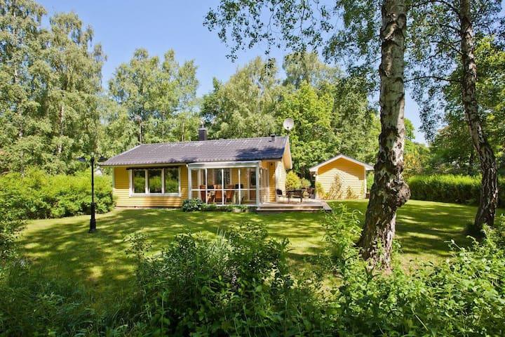 Härlig stuga i Ystads Sandskogen - Ystad - Kabin