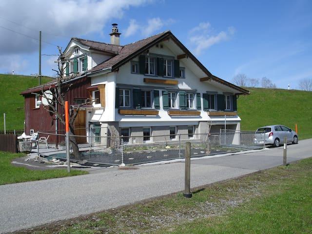 6 Bett in House - Herisau - Casa