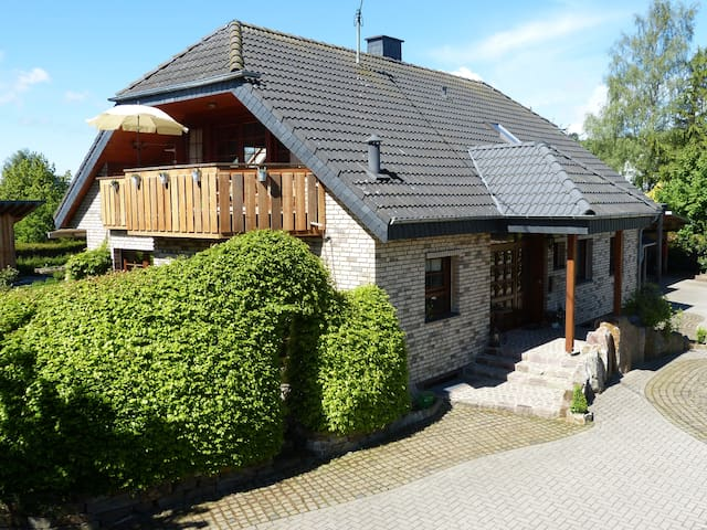 Sonnige Loggia-FeWo am Nationalpark - Bruchweiler - Leilighet