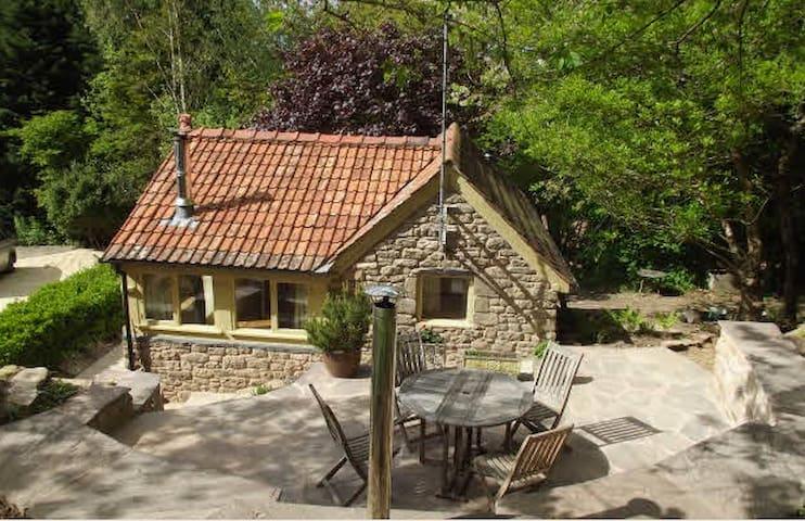 Nuthatch Woodland Chalet - Ross-on-Wye