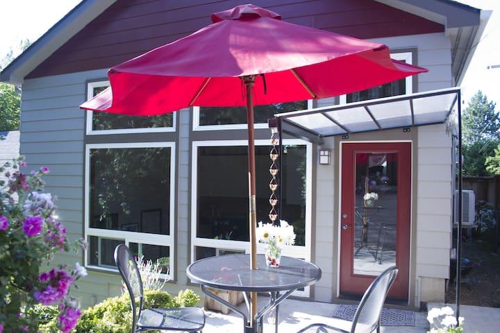 Hip Studio Loft- Near Univer Oregon - Eugene - Apartment