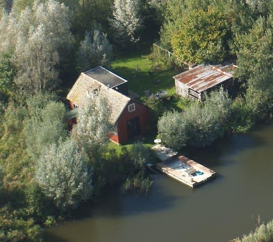 House on an island - Kockengen