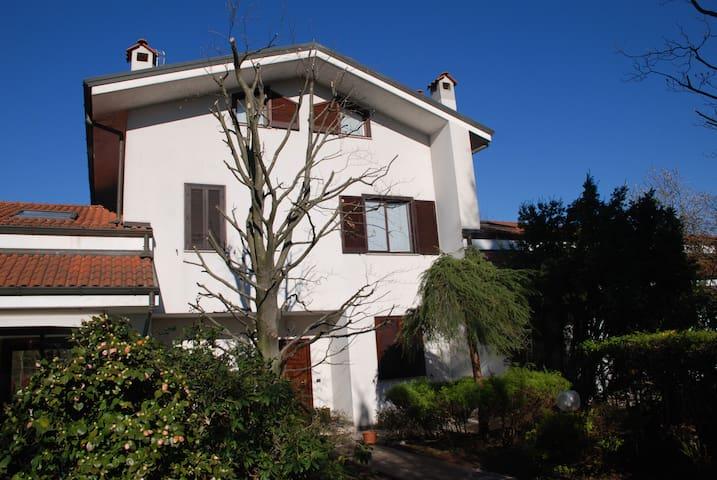 Villa in residence - Correzzana - Βίλα