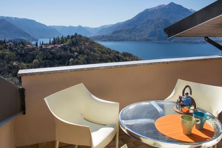 Romantica mansarda con vista lago - Perledo - Leilighet
