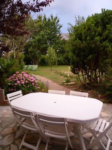 Cosy and quiet house - Douvres-la-Délivrande - Hus