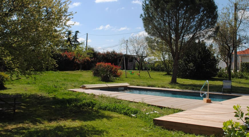 House with private pool and garden - Montans - Hus