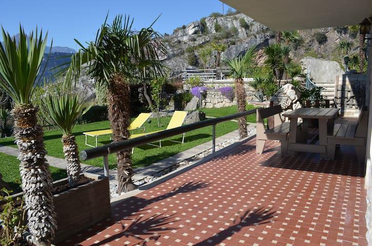 ospitalità in zona panoramica - Nago-torbole - Квартира