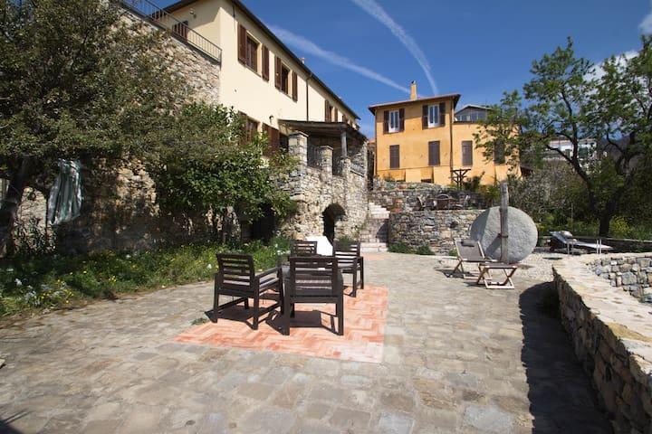 Best vacation house, Liguria, italy - Tovo Faraldi - Huis