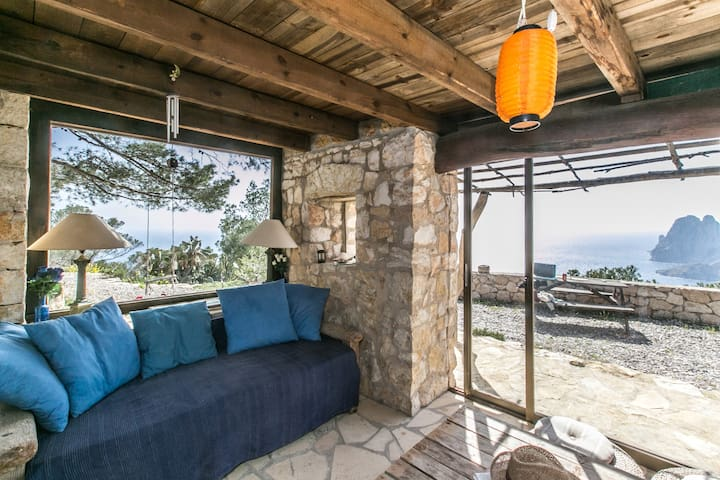 Stunning stone house facing EsVedrá - Ibiza - Casa