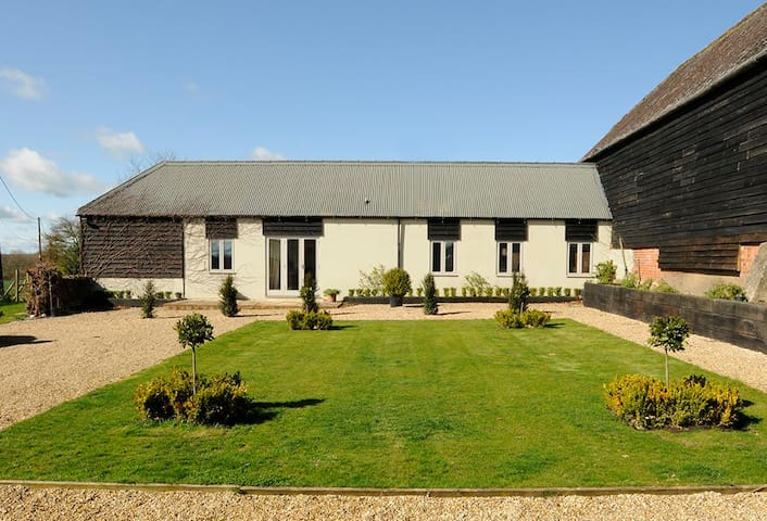 CONVERTED COMFORTABLE  BARN - Hungerford - 獨棟