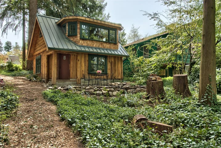 Haller Lake Restored Log Cabin - Seattle - Chatka