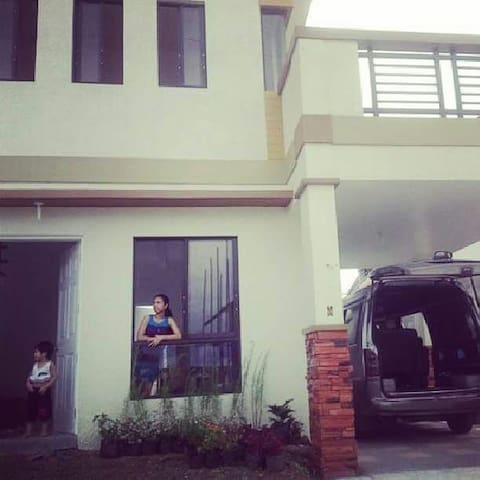 Home near to Tagaytay *affordable* - Silang - Hus