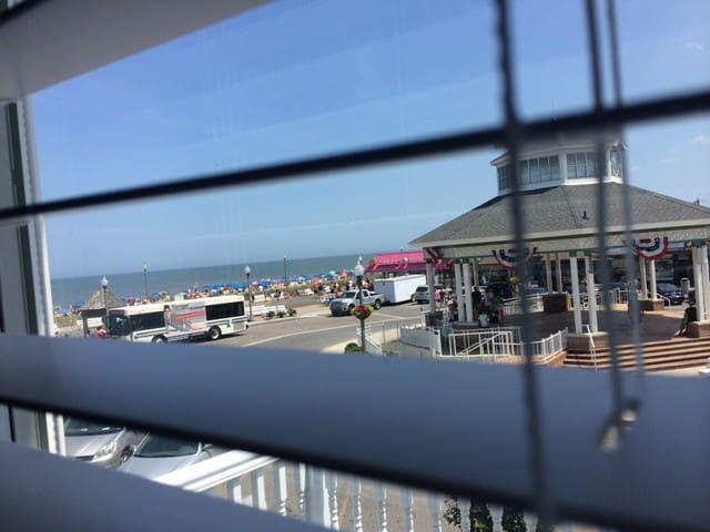 Boardwalk/Beach Condo BN Unit 2 - Rehoboth Beach