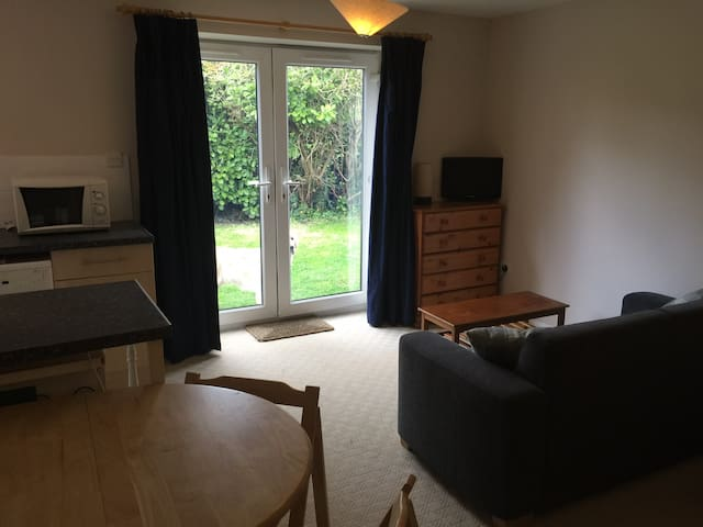 Self Contained Studio Flat - Sutton Courtenay - Huis
