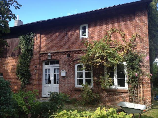Traum-Landhaus in idyllischer Lage - Sarzbüttel