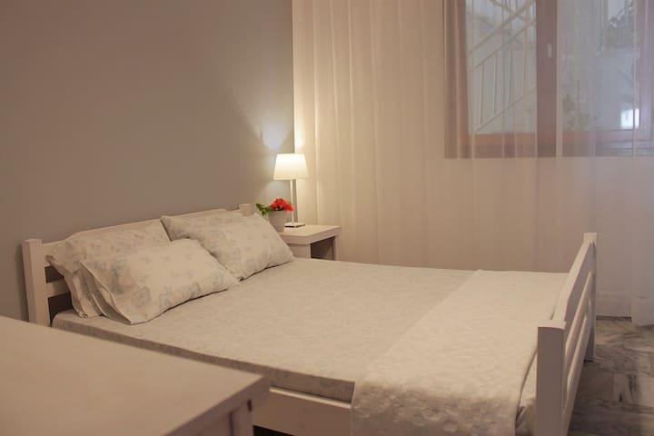 Διαμέρισμα με θέα στη θάλασσα - Nea Vrasna - Daire