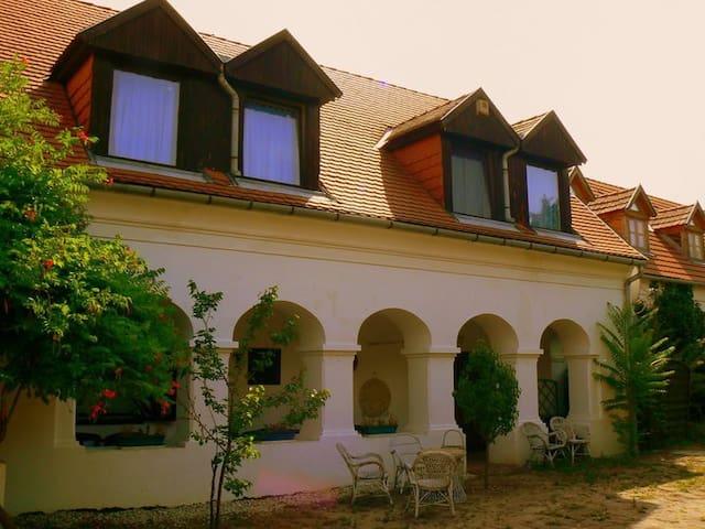 Theodora-kert Vendégház - Kővágóörs  - Huis