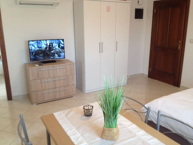 Studio mit Bad & Kochnische  - Poreč - Apartment
