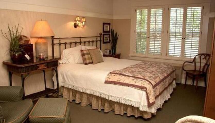 Deluxe lodge room, downtown Julian - Julian - Bed & Breakfast